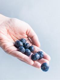 cura e frutta da agricoltura biologica